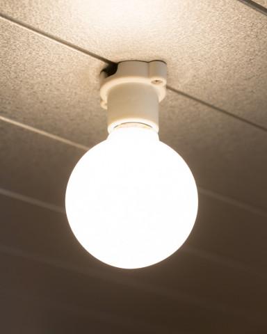 白熱灯を使用